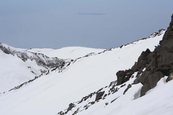 今年5月、千蛇谷9合目付近から眺められた飛島