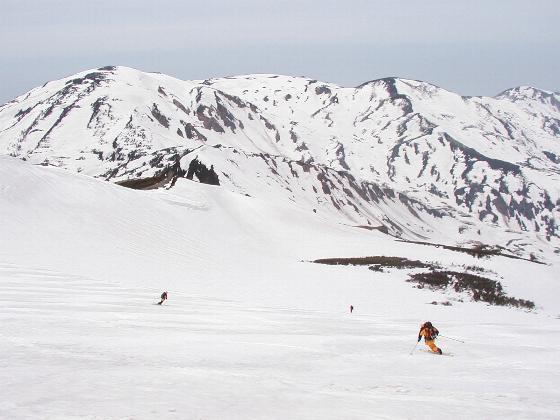 雪倉岳北面に飛び込む!