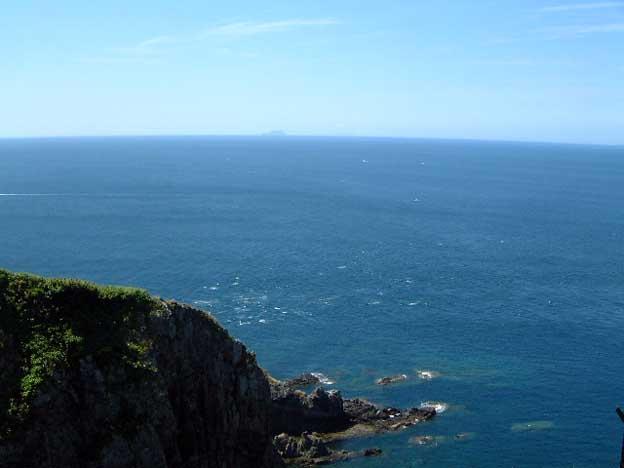 松前小島と大島が重なって見える。