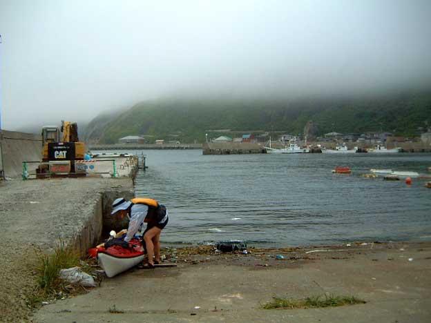 龍飛漁港から出艇