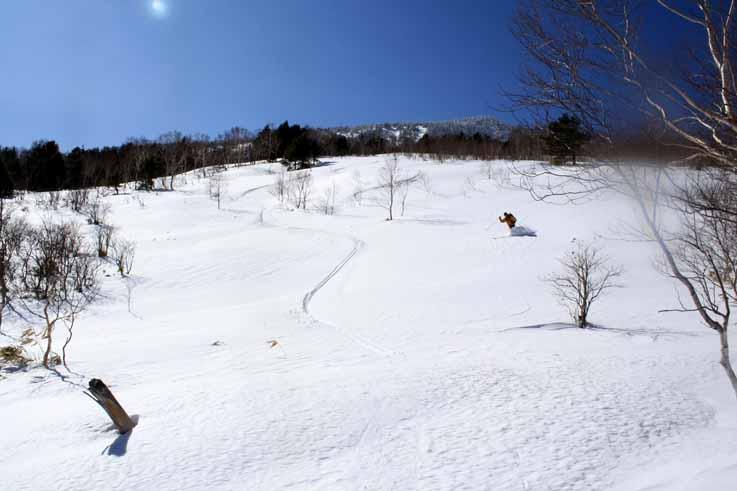 土鍋山から小串鉱山跡への滑り